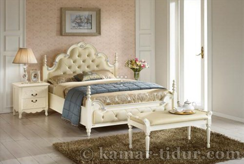 sale Bed & Night Stand White Furniture Jepara