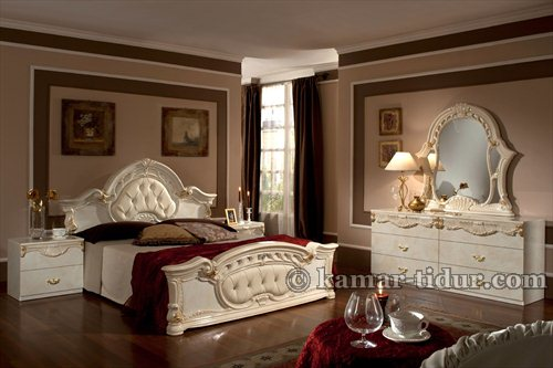 Klasik Furniture Antik Tempat Tidur kamar (KTK 003)
