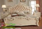 Tempat Tidur Klasik Modern