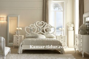 set kamar cinta putih