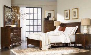 Set Tempat Tidur Klasik Minimalis