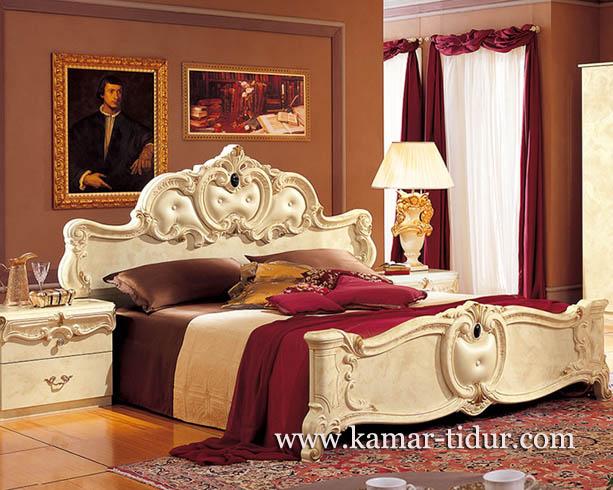 furniture tempat tidur mewah warna putih