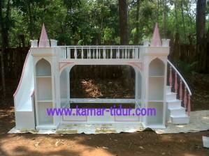 Desain kamar tidur anak perempuan model istana kerajaan