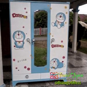Lemari Pakaian Minimalis Anak Doraemon