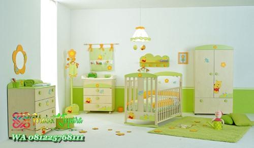 Tempat Tidur Bayi Baru Lahir