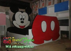 Tempat tidur micky mouse