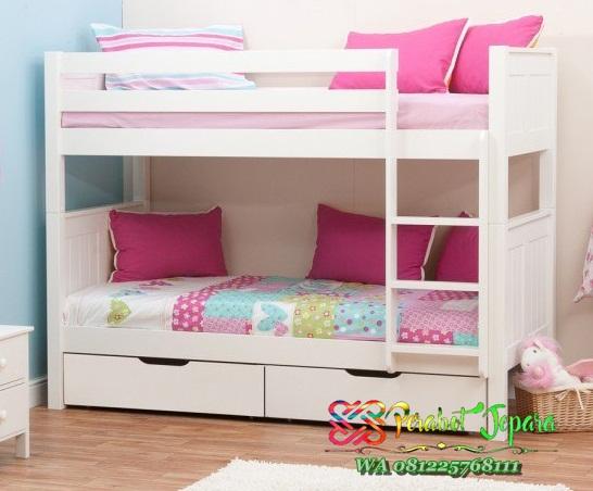Tempat Tidur Tingkat Dengan Interior Tepat Guna