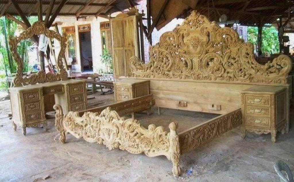 Tempat Tidur Ukiran Jati Jepara